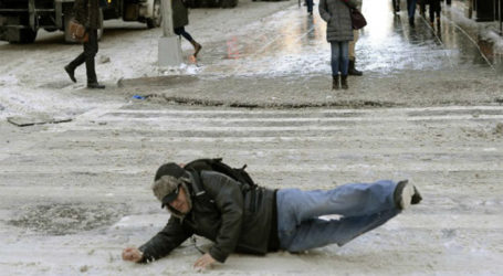 How to Avoid Winter-Related Slips & Falls