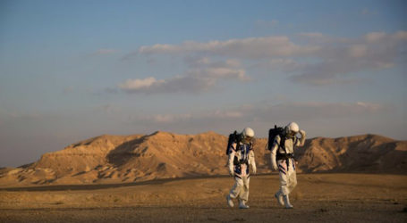 Israeli Scientists Simulate Life on Mars in the Negev