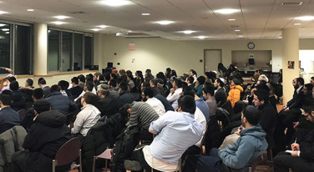 Rabbi Eli Mansour Delivers Powerful Address at Chazaq Organization in Queens