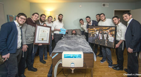 This Rabbi's Picture Is Worth 10,000 Mitzvahs