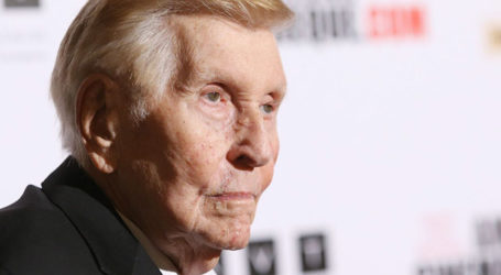 "Sumner Redstone Uses iPad to Say Key Phrases Like ""F*** You"""