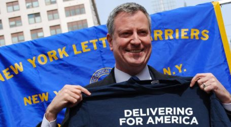 De Blasio Throws More Blows at Media, While Insisting He's Not Like Trump