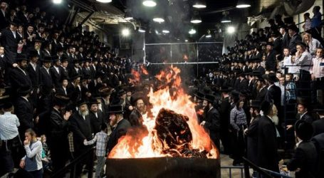 Lag B'Omer Celebrations Draw  Hundreds of Thousands to  Mount Meron