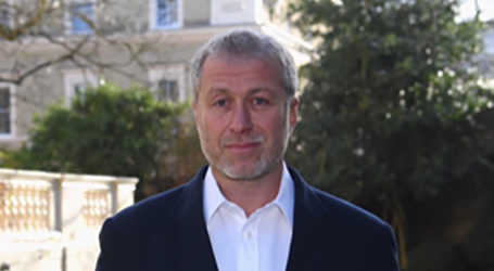 Roman Abramovich Donates Half a Billion a Year to Jewish Communities