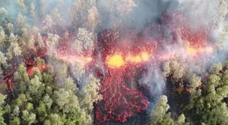 Incredible Footage of Hawaii's Kilauea Volcano Erupting