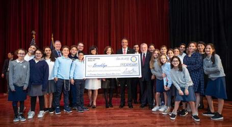 NY Gov. Andrew Cuomo Gets Hero's Embrace at Magen David Yeshivah