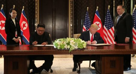 Singapore Summit: Trump-Kim Signing Ceremony