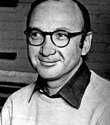 American-Jewish Playwright Neil Simon Dies at 91