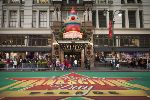 Macy's Thanksgiving Day Parade Makes History With First-Ever Same-Sex Kiss