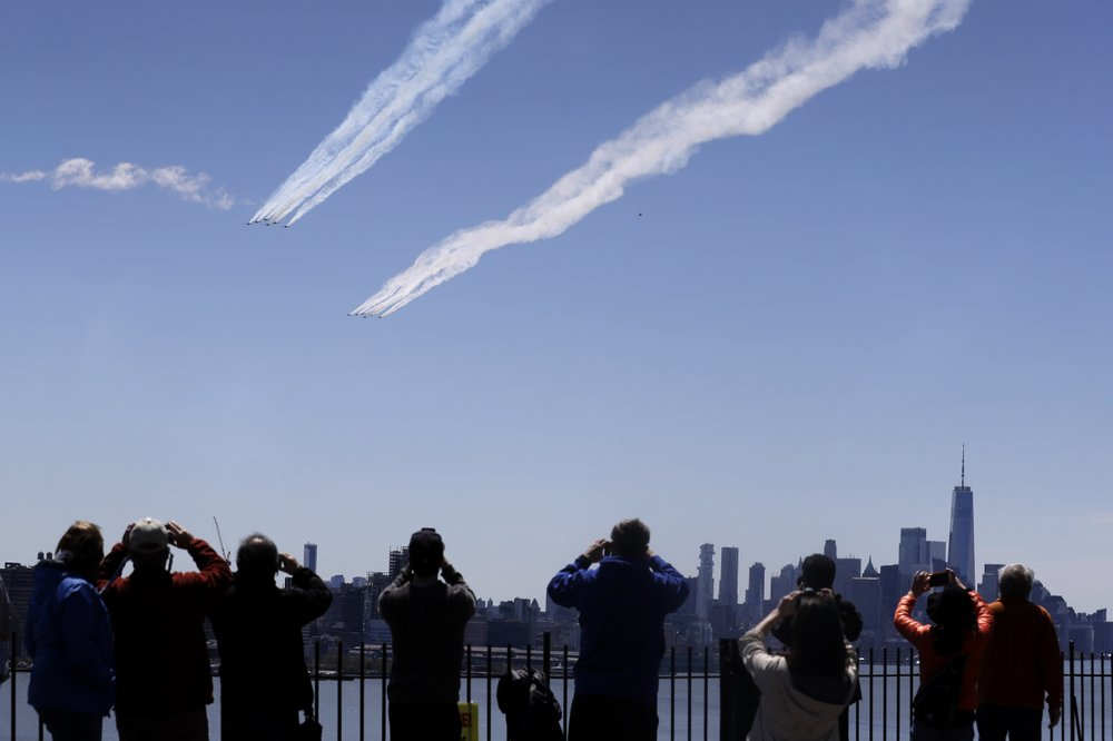 Blue Angels flyover honors NYC COVID-19 responders