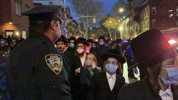 Bill de Blasio: NYPD Will Arrest Jewish Mourners Violating Social Distancing